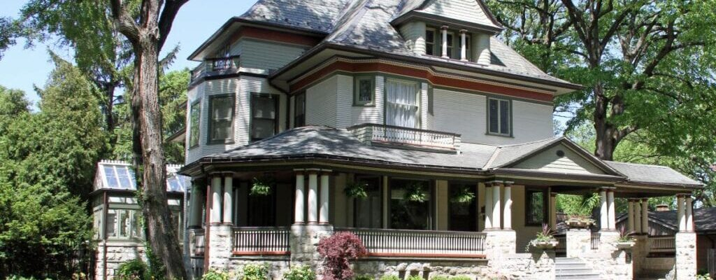 What to Lookout for When Buying an Older House